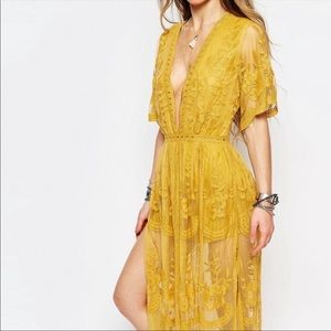 Honey Punch Marigold Lace Plunge Maxi Dress Size L